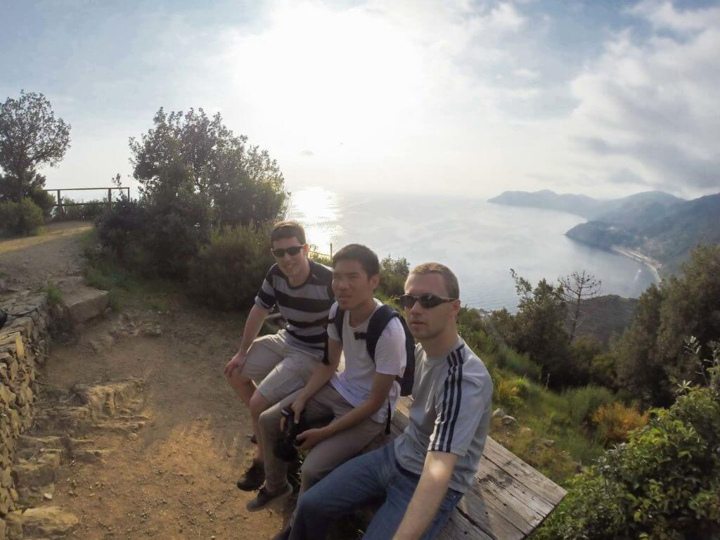 friends hiking to manarola