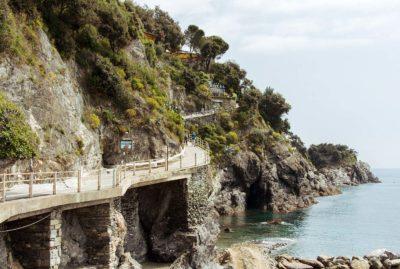 ocean walkway in monterosso al mare